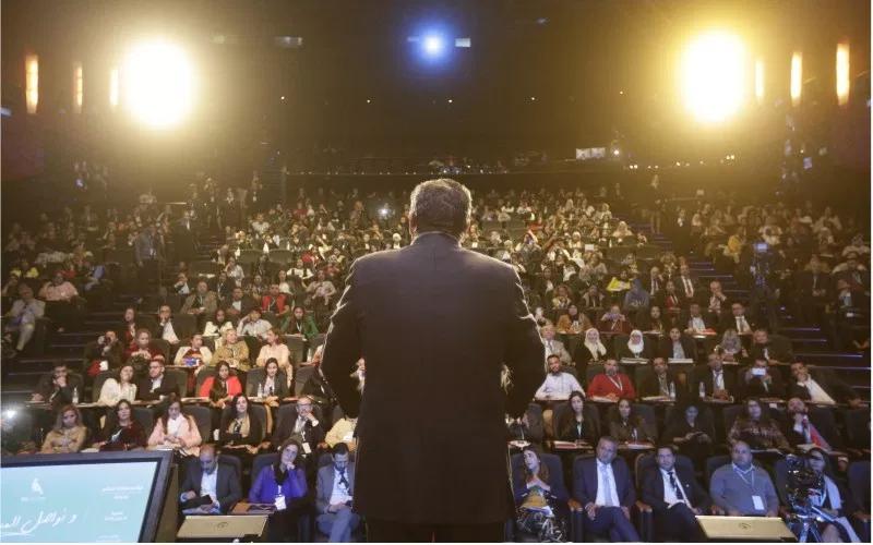 مغاربة العالم يستقبلون أخنوش بحفاوة.. والأخير: نريد سماع جميع مشاكلكم وسنقوم بجهدنا لحلّها في أفق 2021