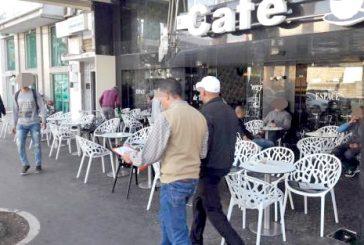 أرباب المطاعم والمقاهي يلوحون بإضراب وطني